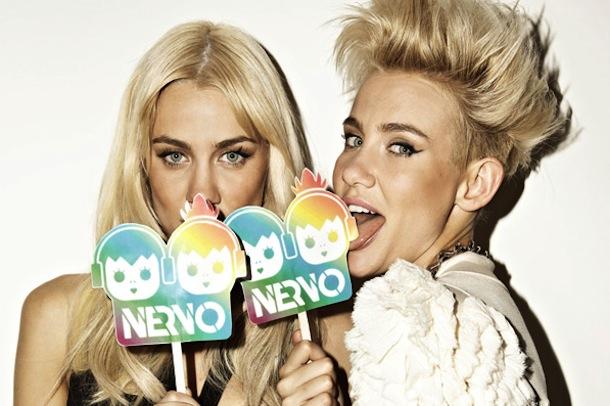 モデルもこなす双子姉妹のEDMデュオ!NERVO (ナーヴォ)とは!