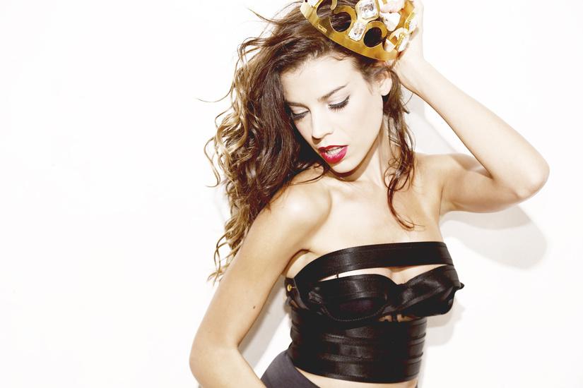 ヘビーなサウンドを轟かす美人女性DJ、Eva Shaw(エヴァ・ショウ) とは!