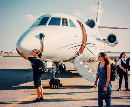 martin-garrix-private-jet-instagram--1437388167-view-0