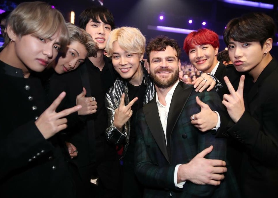 世界で話題沸騰中!韓国発の男性ヒップホップアイドルグループ、BTS(防弾少年団)の進撃ぶりがすごい!