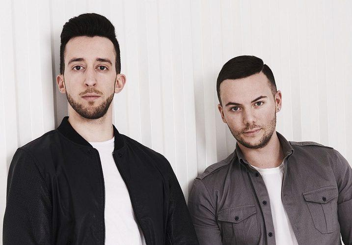 イタリア出身のデュオ、Lush & Simonが活動休止!SNSページで名前を「Simon Says」に変更!