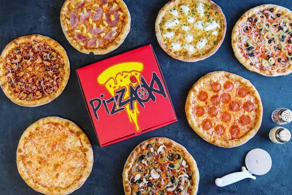 Steve Aokiが宅配代行サービスと協力してLAのホームレスに無料でピザをデリバリー!