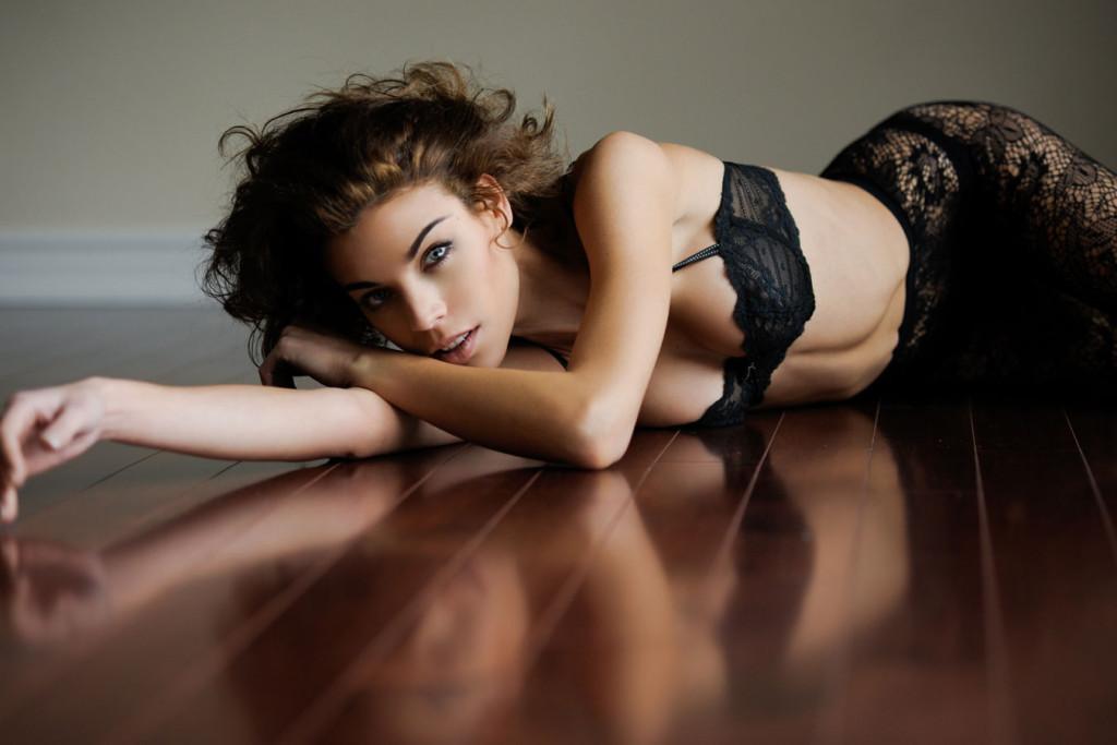 Eva-Shaw-DJ-Model-11