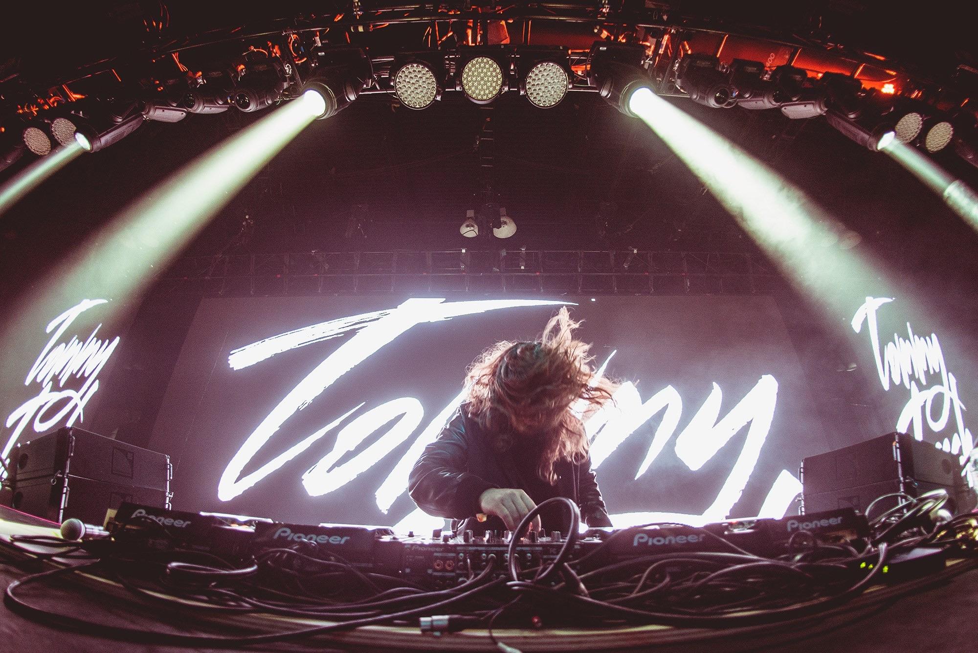 MTVなど多数のメディアが注目する豪州のDJ、Tommy Trash(トミー・トラッシュ)とは!