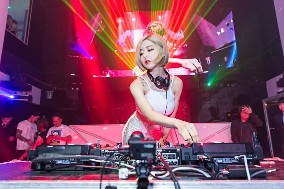韓国人女性DJのDJ Soda(DJ ソーダ)がエロ可愛いとMNNの中で話題に!!