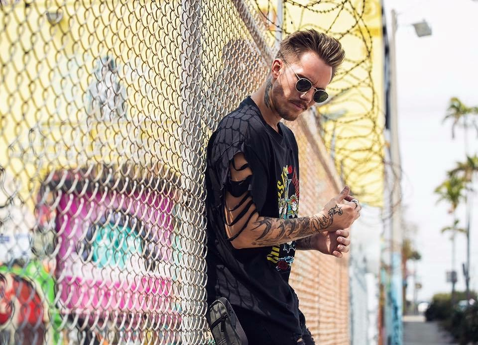 Tiëstoに才能を見出され、Hardwellからも手厚くサポートされている新鋭DJ、KAAZEとは!