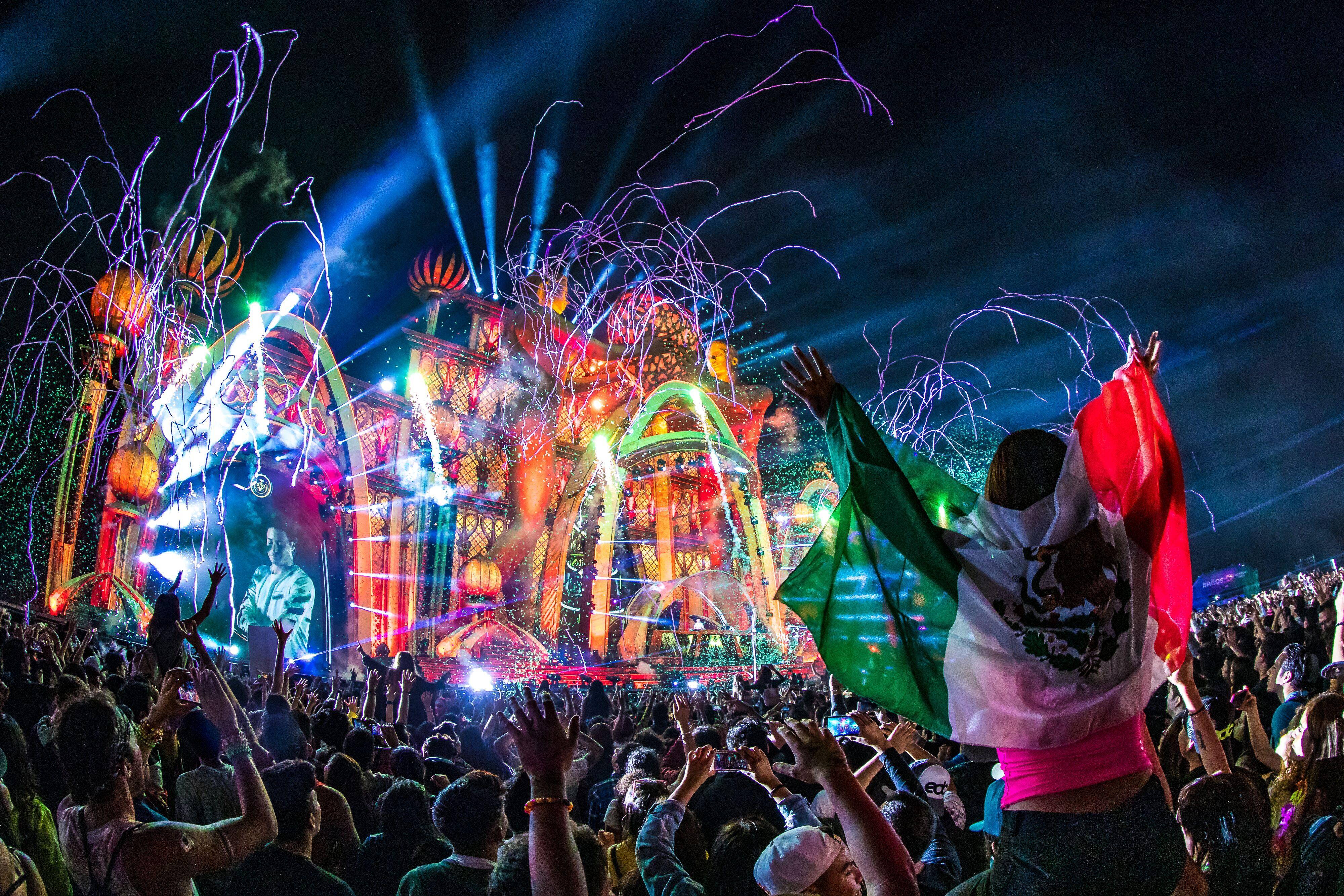 約23万人が熱狂!「EDC Mexico 2019」を多数の写真とともにプレイバック!